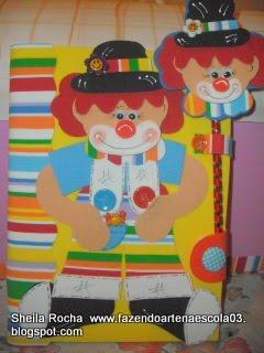 Kit cuaderno y l piz payaso manualidades en goma eva y foami for Puertas decoradas con payasos