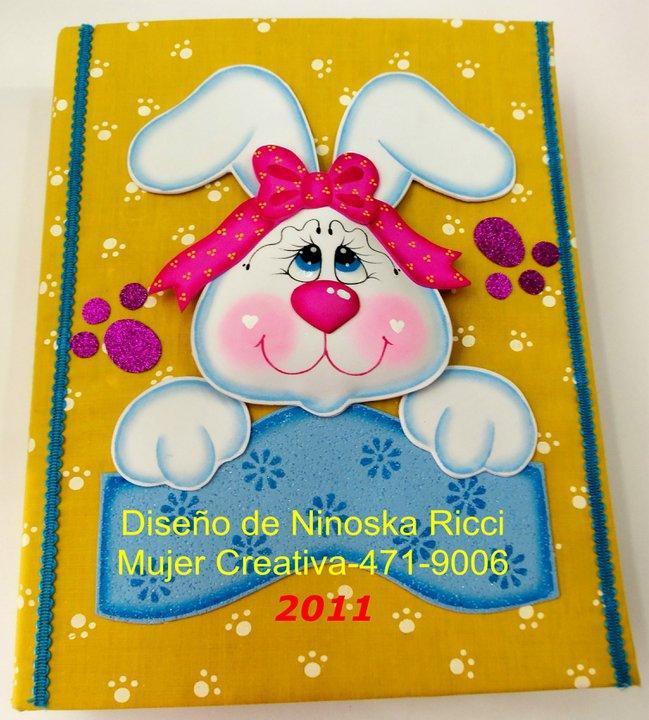 cuadernos-de-goma-eva-conejo-1