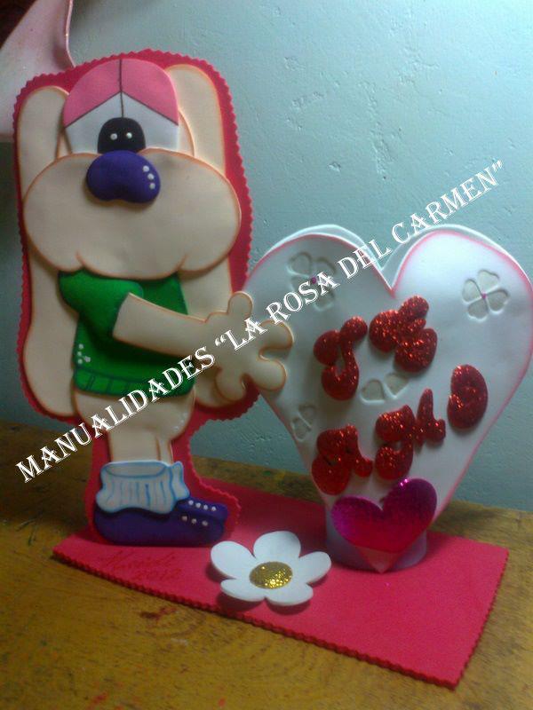 Perrito enamorado en goma eva manualidades en goma eva y foami - Manualidades para hacer en san valentin ...