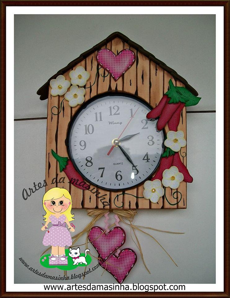 Reloj de pared en goma eva manualidades en goma eva y foami - Relojes para decorar paredes ...
