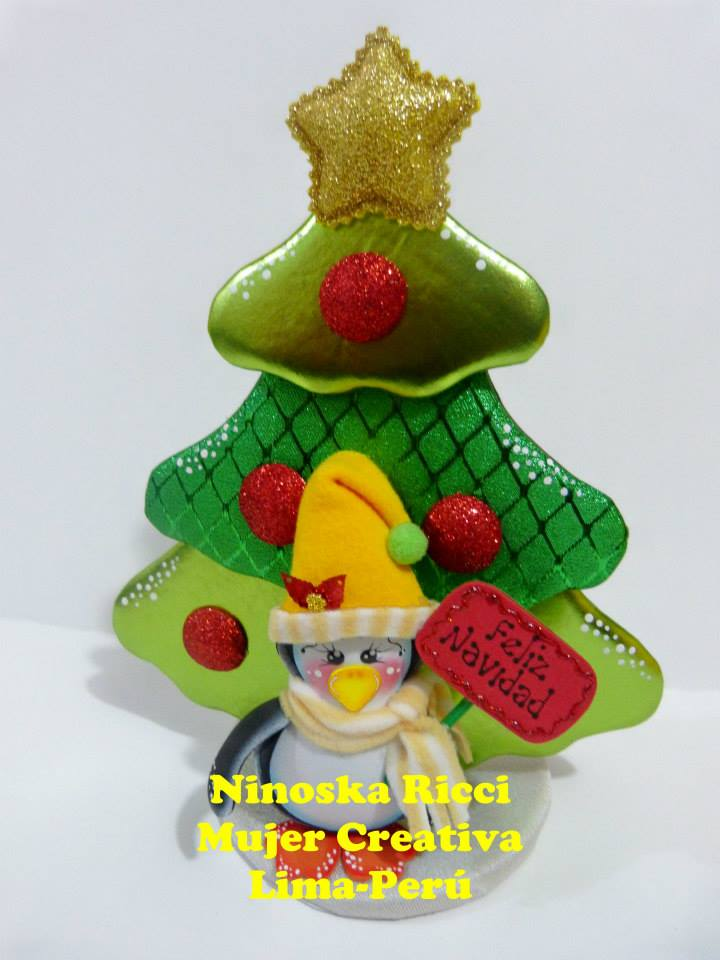Adorno de navidad arbol con ping ino manualidades en for Manualidades con goma eva para navidad
