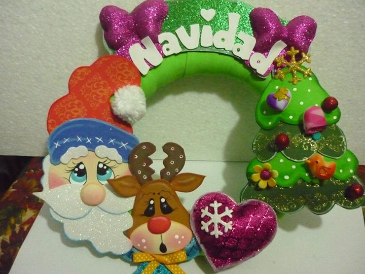 Hermosa corona de navidad moldes manualidades en goma - Adornos navidenos de goma eva ...
