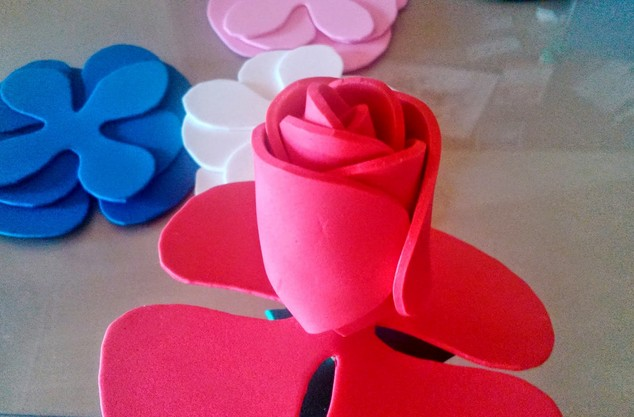 125491b028f Rosa de goma eva o foami - Manualidades en Goma Eva y Foami