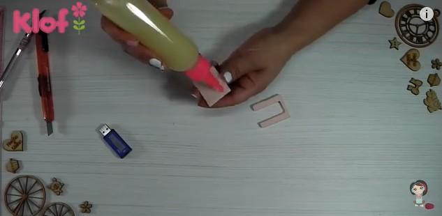 Libro de goma eva para decorar memoria USB 4