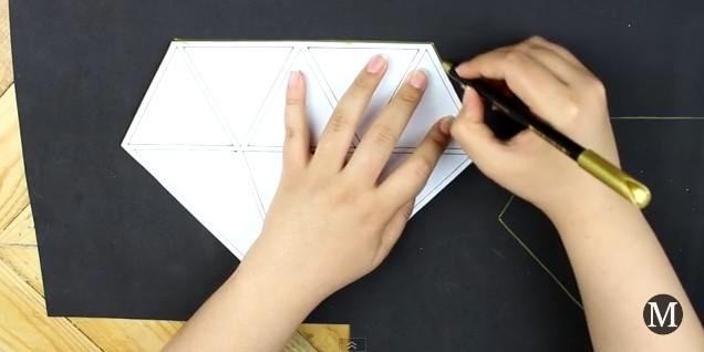 Bolso de goma eva con forma de diamante 2