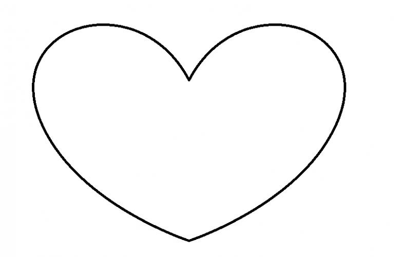 Caja de goma eva con forma de corazon 11