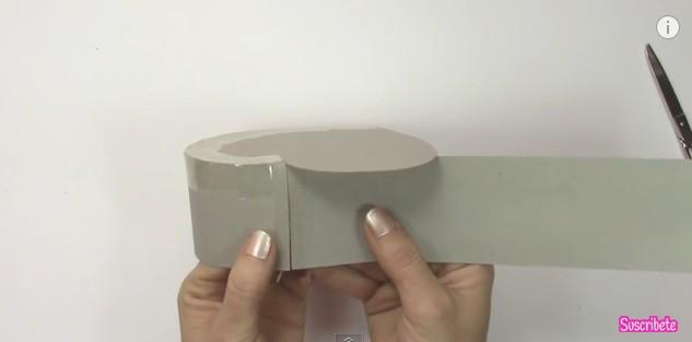 Caja de goma eva con forma de corazon 5