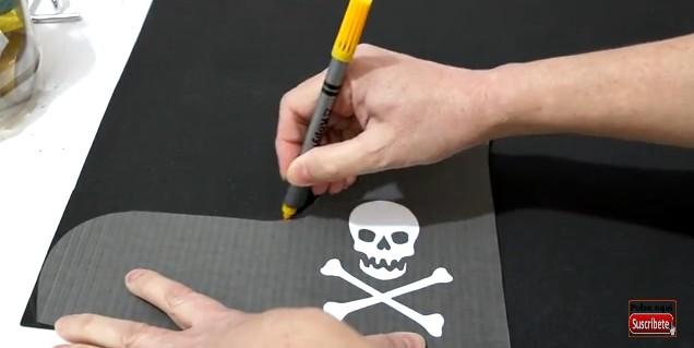 Sombrero y parche de pirata en goma eva 2