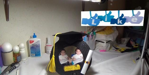 portaretrato-de-graduacion-de-goma-eva-17