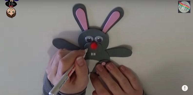 DIY Conejito dulcero de Pascua 4