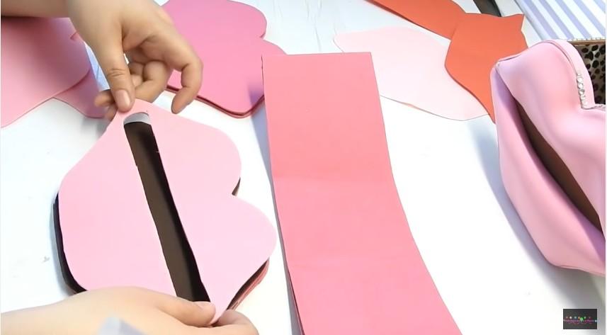 Organizador en forma de labios en goma eva (6)