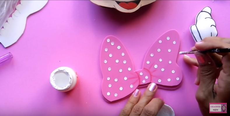 Caja de Minnie Mouse en cartón y goma eva - Manualidades en Goma Eva ...