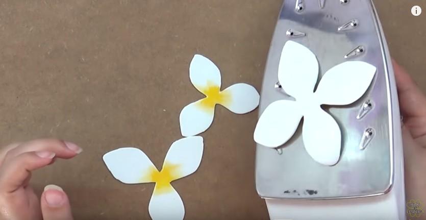 Flores magnolia en goma eva Manualidades en Goma Eva y Foami
