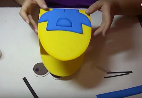 Bolsa Minions en goma eva